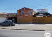 Linda casa c/ tres locales comerciales o uno grande