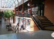 Excelente oficina en centrica galeria comercial