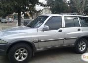 Excelente camioneta ssangyong musso 2004