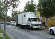 Camión mediano cerrado para carga o mudanza pequeña