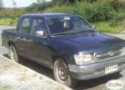 Vendo excelente camioneta toyota hilux 2000