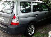 Vende excelente auto subaru forester 2.0 awd