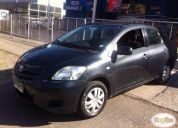 Vendo toyota yaris sedan 1.5