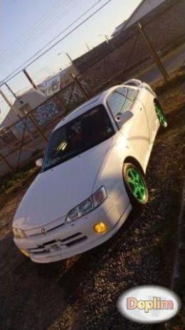 Excelente Toyota levin 97