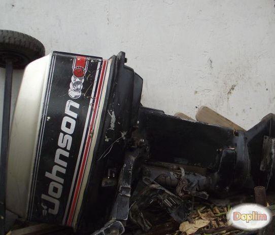 Excelente Motor fuera de borda marca johnson 25 hp