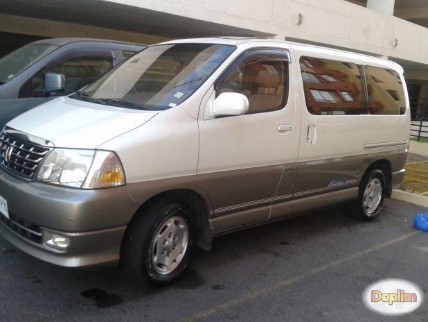 furgón familiar grand hiace toyota full.