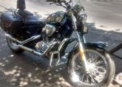 Vendo excelente moto honda steed 400.