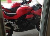 Se vende excelente moto hyosung 250. año 2011.