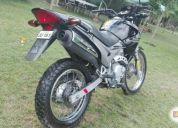 Excelente moto honda falcon nx400.