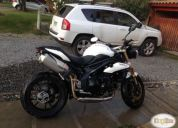Excelente triumph speed triple 1050 color blanco.