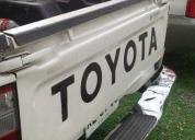 Vendo camioneta toyota hilux 2004 en buenas condiciones