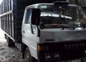 Excelente camión toyota