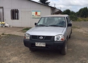 Se vende camioneta nissan terrano 4x2 bencinera 2011 lista para vender