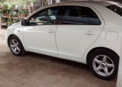Excelente toyota new yaris sedan 2007 en prenda