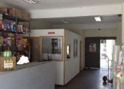 Amplio local comercial con bodega