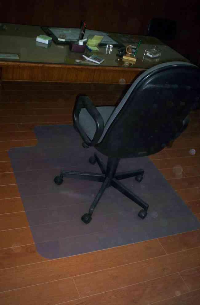 Protectores para piso y alfombras Contactenos ! www.claudioferrer.cl