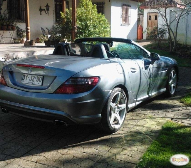 Excelente Mercedes Benz SLK 200
