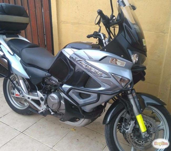 Excelente Moto Varadero Xt 1000 Año 2009