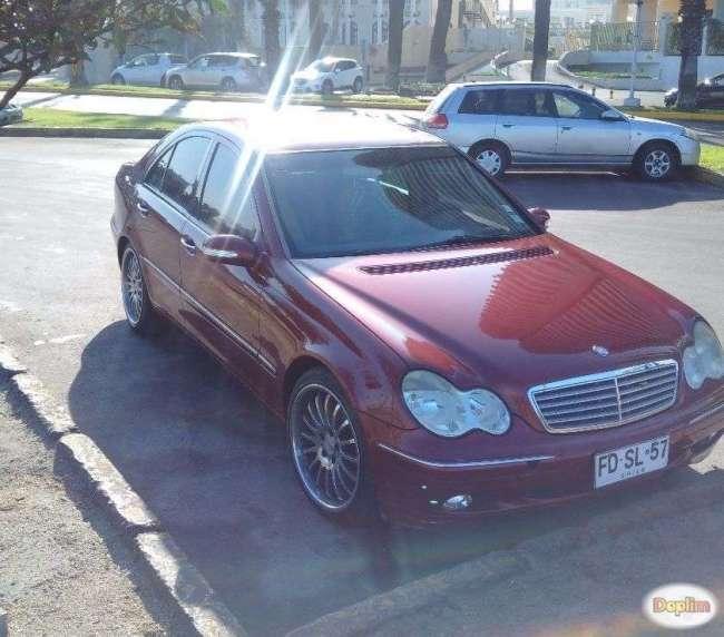 Vendo auto Mercedes Benz C 240 año 2001.Contactarse.
