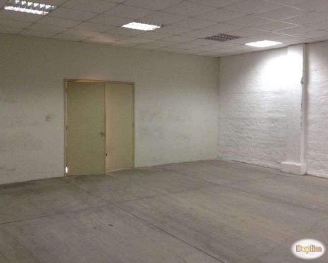Arriendo Prop. comercial con 12 oficinas.