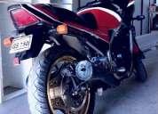 Vendo mi moto de velocidad honda vf 750. contactarse.