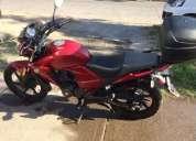 Vendo excelente moto honda invicta 2013