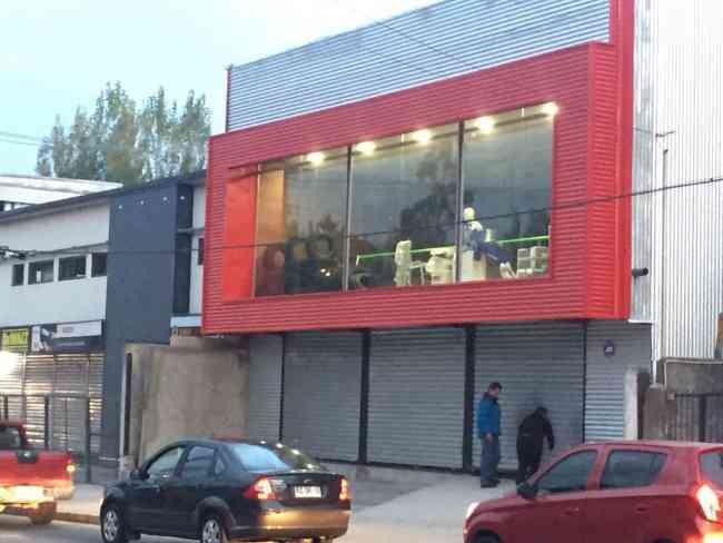 AMPLIO LOCAL COMERCIAL  SANTA MARIA 763  PTO MONTT
