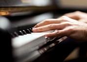 Clases de piano profesionales y personalizadas