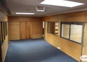Hermosa oficina con bodega 16 oficinas 6 baÑos.