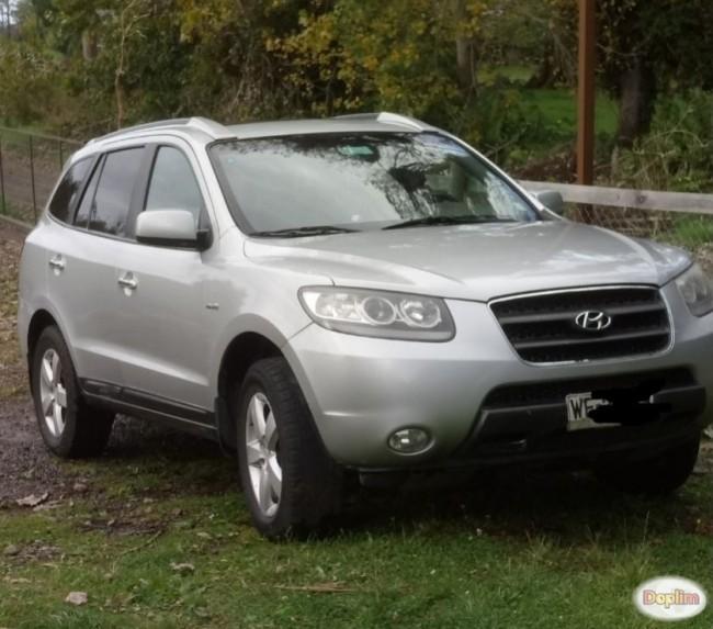 vendo Hyundai Santa Fe 2.7 V6 top de linea. Contactarse.