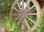 Antigua rueda de carreta