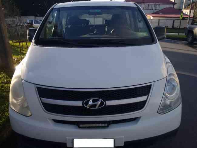 Minibus Hyundai NEW H-1 2010