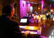 Tecladista cantante anima full fiestas