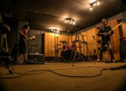 Banda tributo busca vocalista
