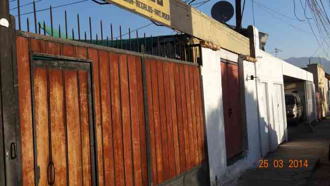 FERNANDEZ ESCOBAR Bienes Raices Vende Casa + Local Comercial Centenario
