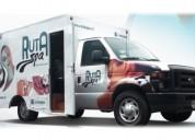 Camioneta ford modificada para salón de belleza itinerante o food truck