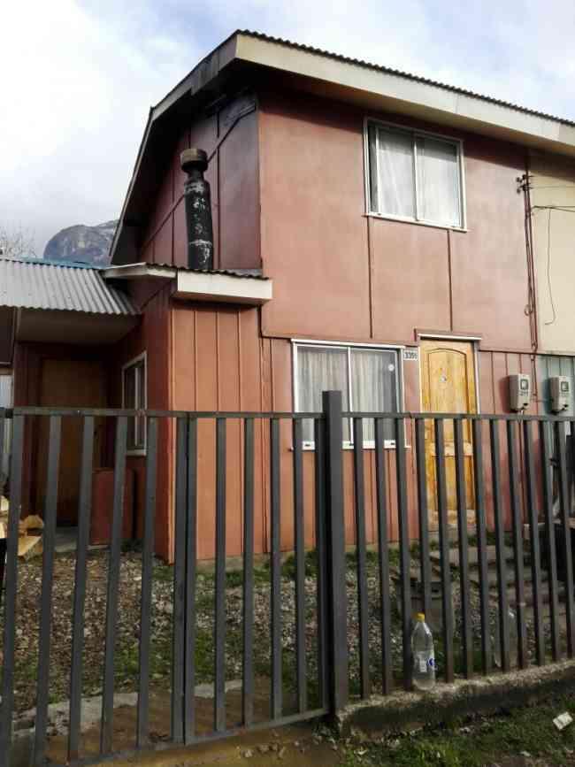 Se vende casa pareada dos pisos