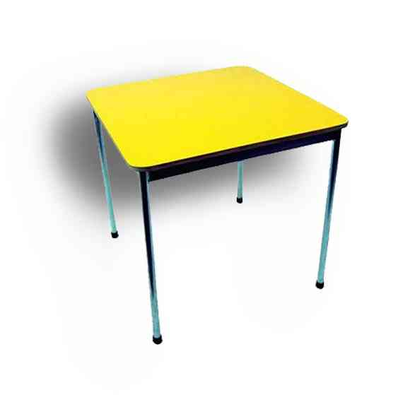 Mobiliario Infantil Mesa + 4 Sillas Kinder 70x70cm