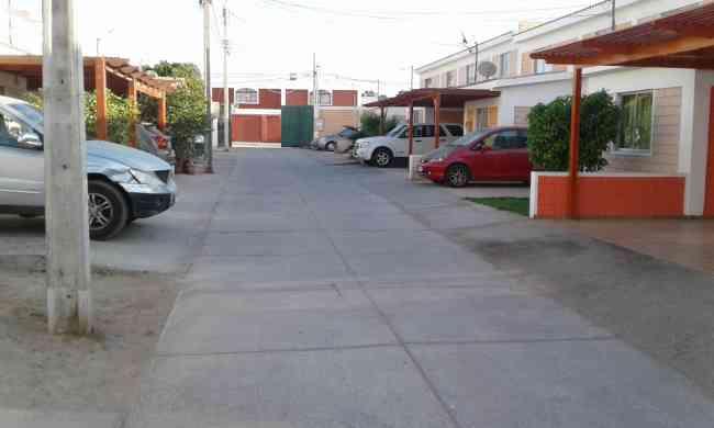 Arriendo casa 4 dormitorios en condominio, Arica