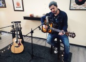Clases de canto y guitarra personalizadas, dias y horarios flexibles