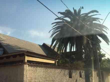 Venta amplia casa 320 M. terreno en comuna Las Condes.