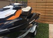 Vendo linda moto agua marca seadoo 215