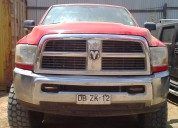 Vendo camioneta dodge ram 2500 c/kit levante +56996132272