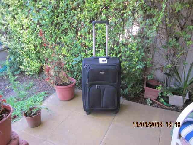 Vendo maleta negra de Polyester nueva sin uso $70.000