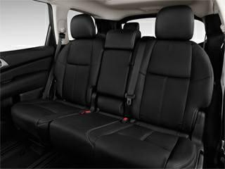 Nissan Pathfinder Exclusive 2016, Chillan