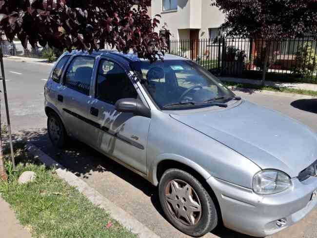 Se vende Chevrolet corsa swing 2006.