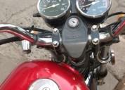 Vendo excelente moto 8000 km kms