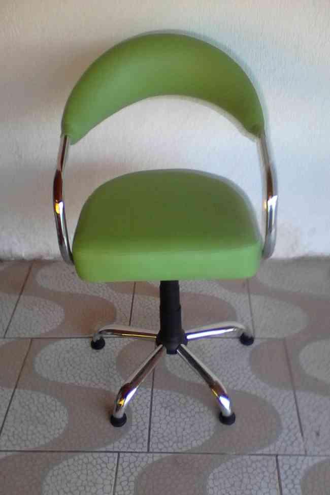 sillon peluquero tono verde pistacho