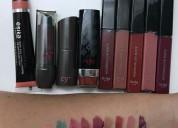 Maquillaje, cremas y perfumes