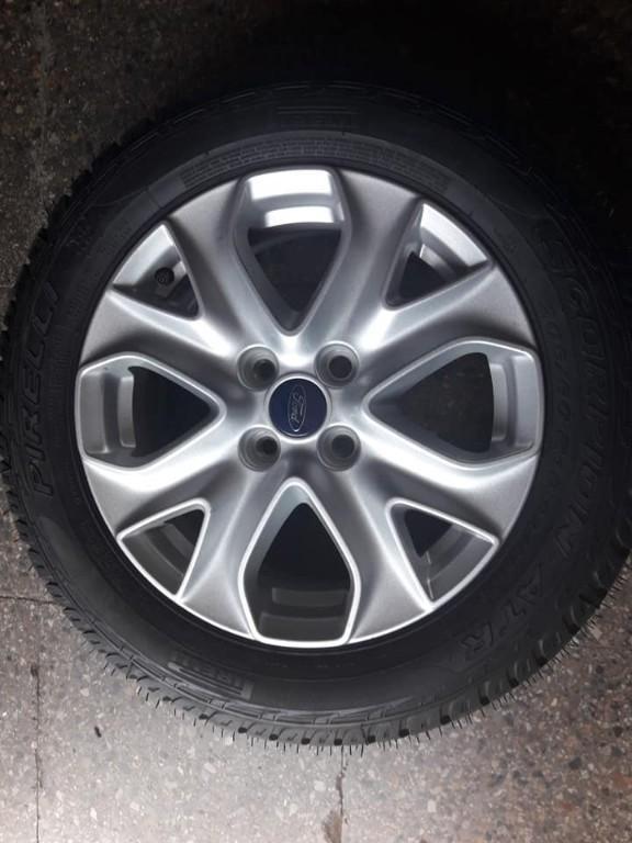 LLanta de magnesio con neumatico nuevos para Ford Ecosport santiago